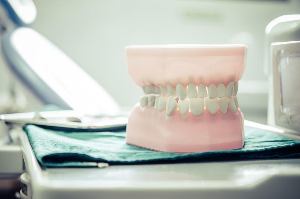 dentures假牙